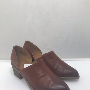 Universal Thread Shoes - Faux leather women's shoes